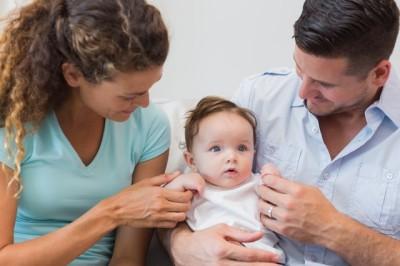 パパママと赤ちゃんの画像