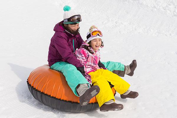 おすすめスキー場ファミリーチュービングの画像