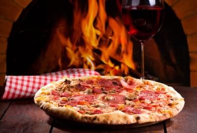 ピザとワイン