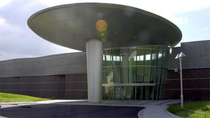 福井県立恐竜博物館入口の画像