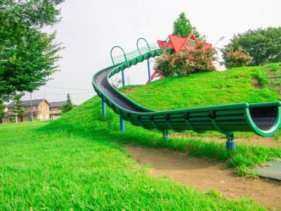茨城県の公園長い滑り台イメージ画像