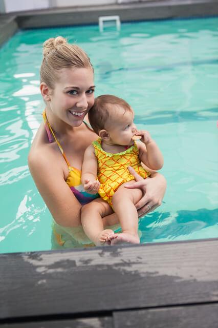 屋内プールで親子が楽しめる東京のスポーツクラブオッソの画像