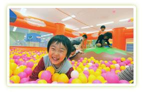 埼玉のテーマパークキッズーナにおでかけの画像
