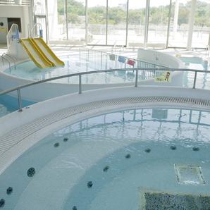 茨城県筑西市の筑西遊湯館の室内プール画像