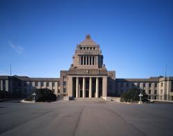 夏休みに子どもと行きたい無料スポット、国会議事堂の画像