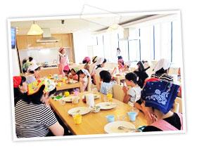 親子で体験する料理教室の画像