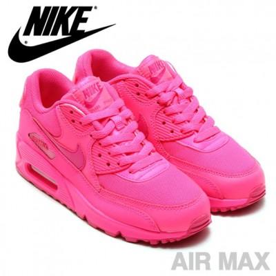 ナイキのピンクのエアーマックスの画像