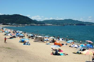 兵庫県神戸市の垂水にある海水浴場、慶野松原海水浴場の画像