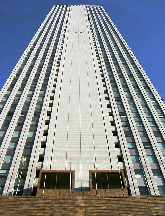 池袋のサンシャインシティの超高層ビルの画像