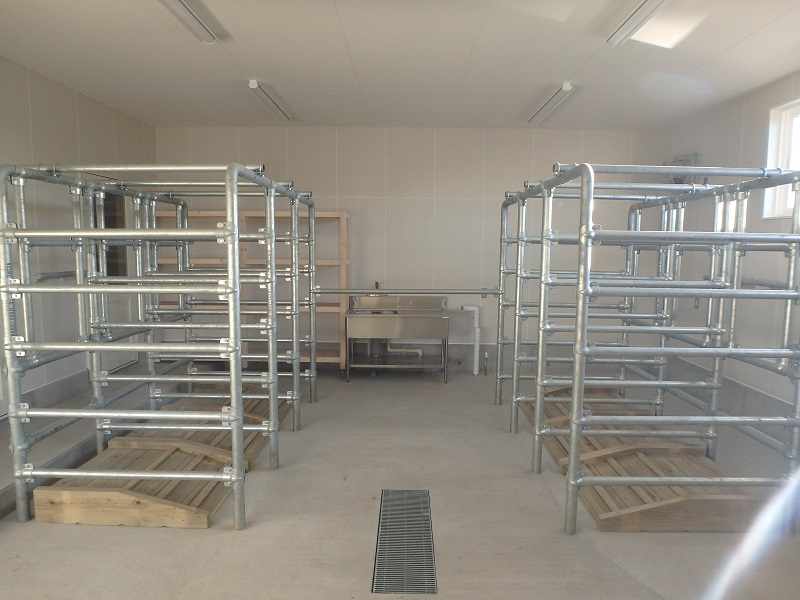 キムラファーム株式会社 管理棟新築工事 管理棟採卵室  工事概要:北海道恵庭市牧場 キムラファーム 管理棟新築 木造平屋 145㎡