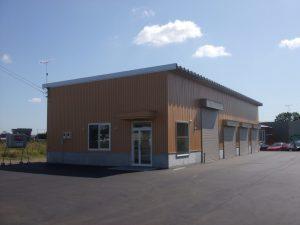 フリーズ自動車整備工場新築工事 外観  工事概要:北海道苫小牧市拓勇東町 鉄骨平屋 198㎡