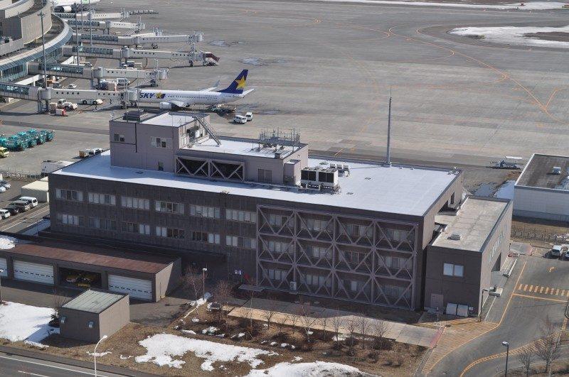 新千歳空港管理棟本館耐震改修
