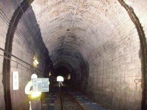 清風山構内第1ニニウトンネル洗浄