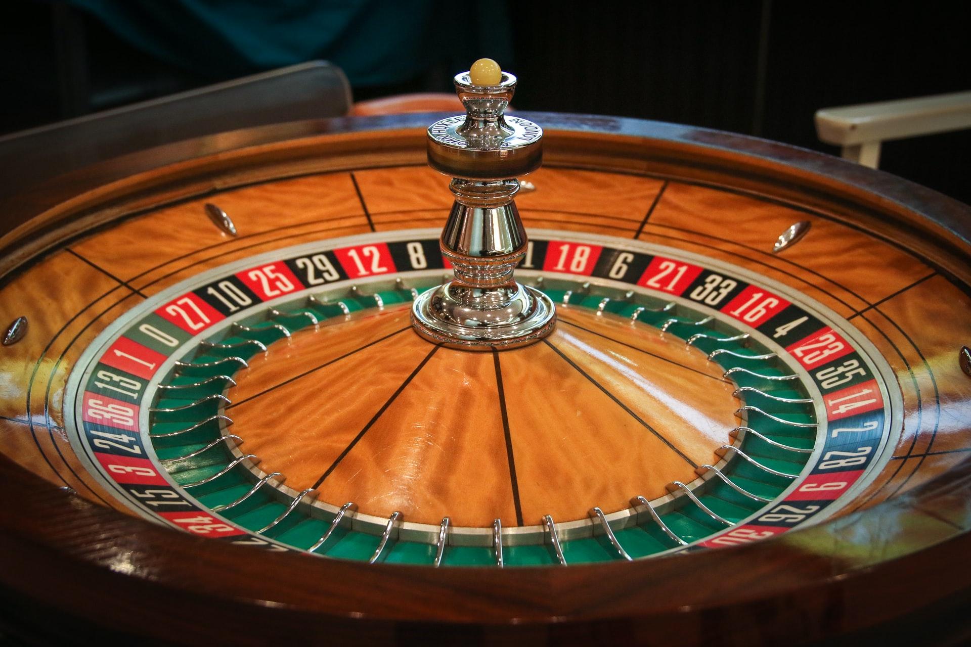 カジノに勝てるか?モンテカルロ・シミュレーションをPythonで実装する。