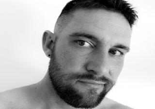 男性の髭脱毛をどうおもっているの?女性の本音