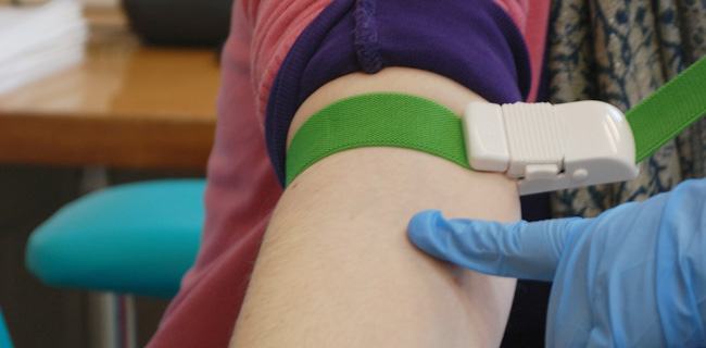 看護師なら持っておきたい駆血帯の選び方【ゴムアレルギーの人は要注意】