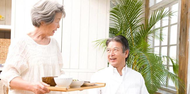 認知症患者さんへの食事支援【看護師としての接し方】