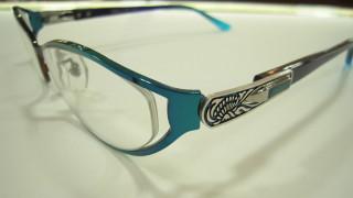 夏におすすめ♪涼しげカラーのサングラス