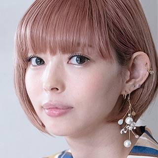 """ほぼ日刊イトイ新聞 (公式)/ Hobonichi on Instagram: """"いまも、いつもさみしい? /  15年以上前に #ほぼ日 で語り合った 「#いつもさみしい?」問題。 むかしもいまも、 人はずっとさみしいのかもしれない。 ライターの #朝井麻由美 さんが いろいろなかたと 「さみしい」について話していきます。 最初にご登場いただくのは…"""" (602609)"""
