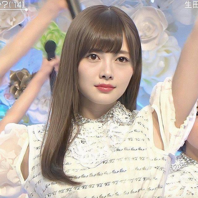 """@_sayumai_ on Instagram: """"︎︎ ︎︎ ︎︎ 明明後日は名古屋全握ですね(^o^)/ 今年は2月、3月、5月、7月、8月という ほぼ毎月生の麻衣ちゃん沙友理ちゃんと ライブや握手会で会えてるのです! こんなに幸せなことはなかなかないから 一瞬でも遠くからでも麻衣ちゃんに会える時間を…"""" (610261)"""