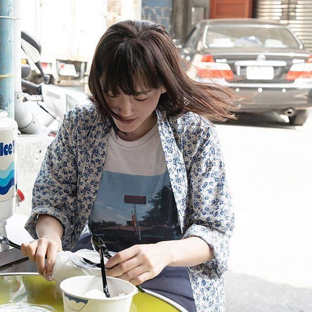 """ハルカノイセカイ on Instagram: """"夏樹甜品  台北市大同區迪化街一段 240 號  杏仁豆腐に豆花、雪花冰など素朴な味がクセになる台湾デザートの名店🍧 迪化街のお買い物中にぜひとも立ち寄りたい、レトロで可愛いお店です🐣 すべて手作りというトッピングを自由に選んでのせていきましょう〜!…"""" (614191)"""