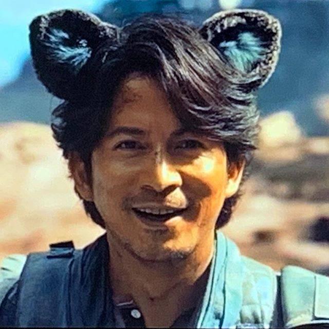 """まぁ on Instagram: """"猫耳オカダくん💛 . 壁がのぼれて猫耳付けたらこんな可愛い38歳他にいますか?笑 私はいないと思ってます笑笑 . . . #v6 #ぶいしっくす #ぶいろく #ComingCentury #カミセン  #岡田准一 #おかだじゅんいち #okadajunichi…"""" (620396)"""
