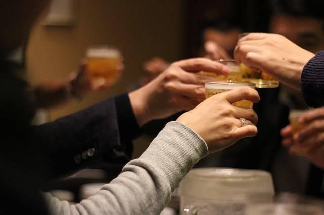 Cheers Drinking Session Liquor · Free photo on Pixabay (65187)