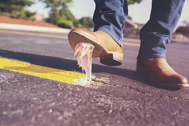 Bubble Gum Shoes Glue - Free photo on Pixabay (201650)