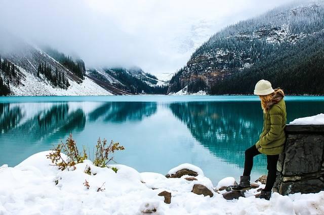 Woman Hike Lake - Free photo on Pixabay (208181)