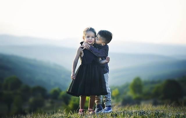 Children Hug Siblings - Free photo on Pixabay (256899)