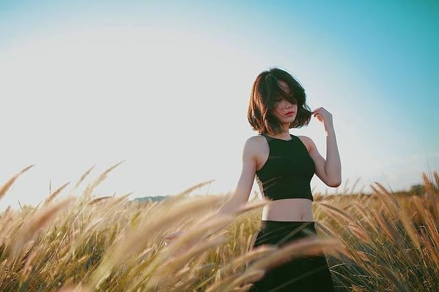 Wheat Field Girl Walking - Free photo on Pixabay (348070)