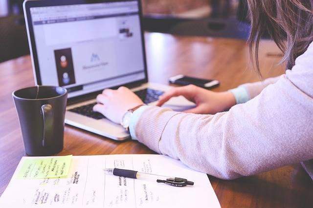 Student Typing Keyboard - Free photo on Pixabay (361600)