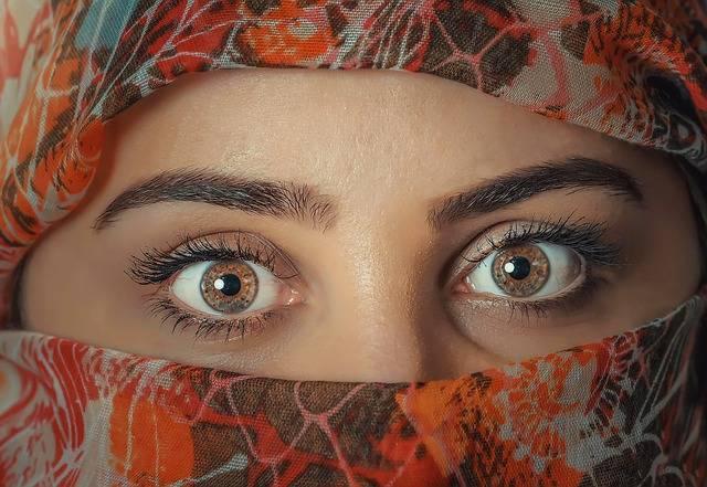 Beauty Woman Headscarf - Free photo on Pixabay (367421)