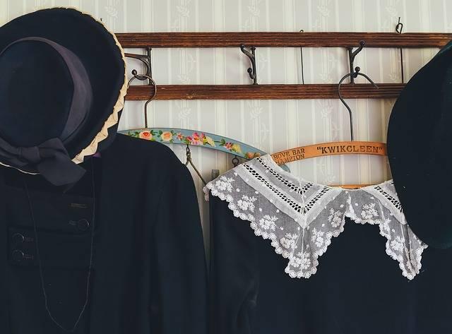 Clothes Hanger Clothing - Free photo on Pixabay (383471)