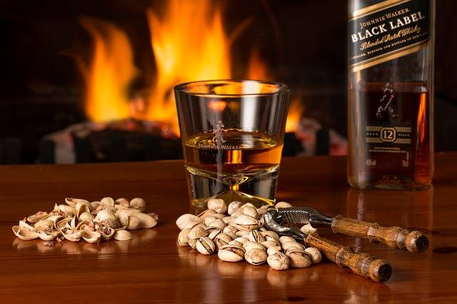 Whisky Fireside Alcohol - Free photo on Pixabay (394442)