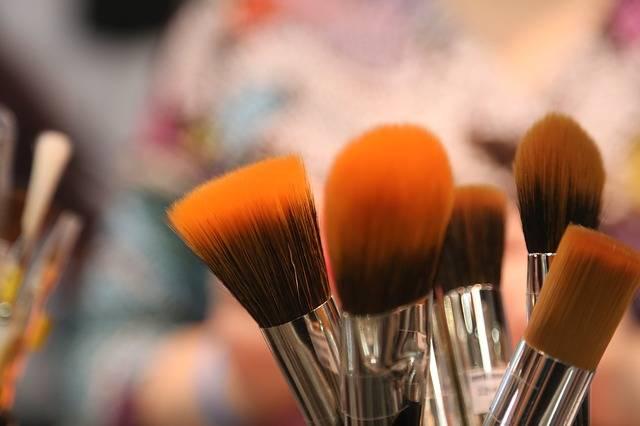 Brushes Cosmetic Tools Brush - Free photo on Pixabay (404517)
