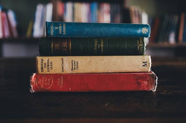 Books Library Jrr Tolkien - Free photo on Pixabay (404610)
