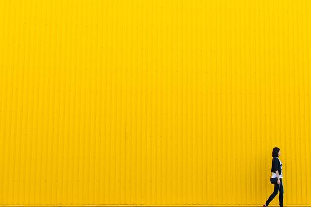 Yellow Wall Girl - Free photo on Pixabay (463652)