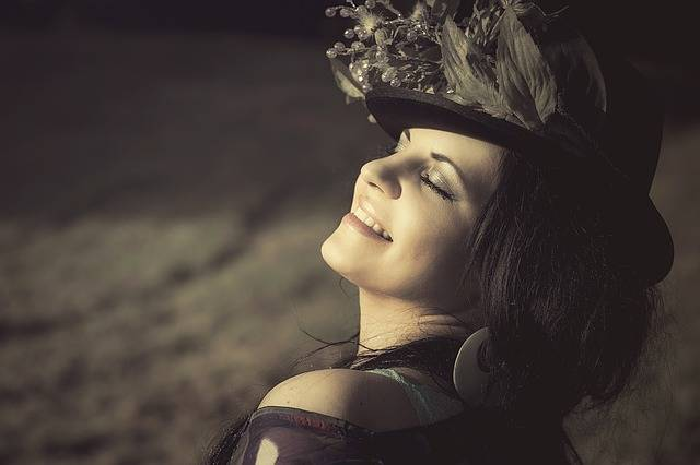 Beauty Woman Flowered Hat - Free photo on Pixabay (522313)