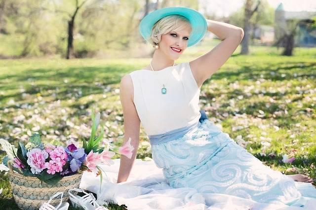 Beautiful Woman Picnic Spring - Free photo on Pixabay (522421)