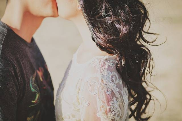 Young Couple Kiss - Free photo on Pixabay (560033)