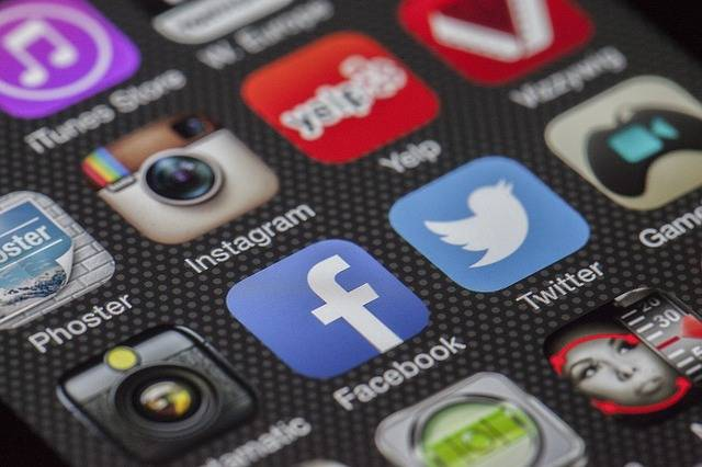 Twitter Facebook Together Exchange - Free photo on Pixabay (573696)