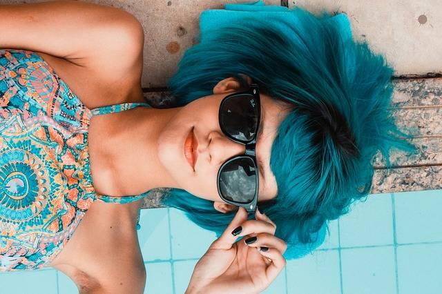 Blue Sunglasses Woman Swimming - Free photo on Pixabay (600433)