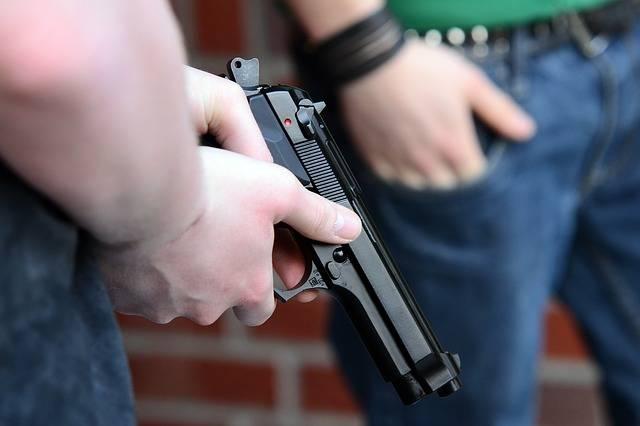 Youth Weapon Pistol - Free photo on Pixabay (615376)