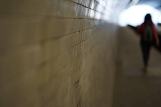 Tunnel Flow Woman - Free photo on Pixabay (711957)