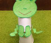 カエルがぴょーん!〜紙コップが飛び跳ねる!梅雨の時期にぴったりの手作りおもちゃ〜