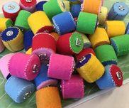 【スナップ玩具】*1.2歳児用*材料→フェルト、スナップ、中に入れる鈴やビーズ、            ペットボトル、糸
