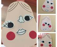 【おかめさん福笑い】材料→色画用紙、画用紙、マジック、両面テープ3、4、5歳児おかめさんの福笑いです。事前にパーツを作って裏に両面テープを貼って準備しました。遊びとしてではなく作品として行い出来上がった作品を壁面として飾りました。まず、お正月遊びの紹介をしてから行いました。3歳児さんは、目をつぶって行うのは難しいかなと思ったのですが他の子の行なっている姿を見て自発的に目をつぶり周りの子供達の誘導を聞いて楽しんで行なっていました。思っていた以上に子どもたちは、楽しかったようで1セット多く作ってラミネートをかけて随時遊べるようにしました。1つ1つ異なった顔ができて子どもたちも笑っていますし他のクラスの先生保護者も他のクラスの子どもたちも見て笑っています♪