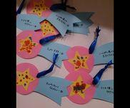 【指スタンプde短冊】画用紙絵の具リボン星の部分に指スタンプしました。願い事も書いて飾りました。