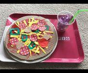 ピザ屋さん 段ボール 折り紙 絵の具 セロファン  カップ